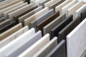 Pedras naturais que podem ser usadas na instalação de armários e bancadas