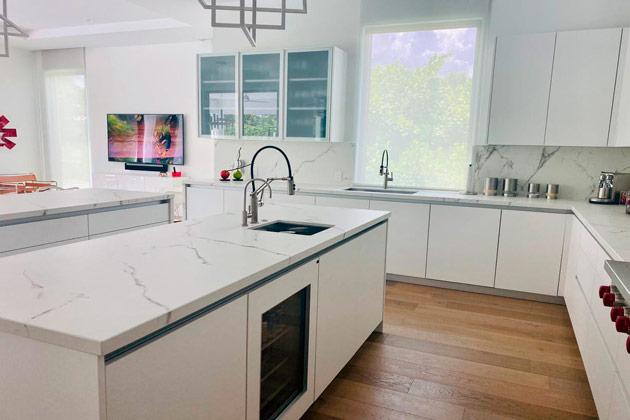 Cozinha completa representando as vendas de pedras naturais